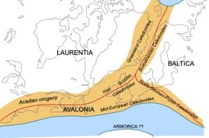 図1-13:古生代におけるカレドニア山地。元アメリカ東海岸、アイスランド、スコットランド、スカンジナビア半島が一列に並んでいた。作図:Woudloper, Wikimedia commonsより